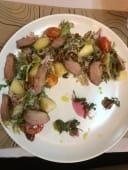 Салат з качиною грудкою і карамелізованою грушею (320г)