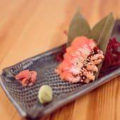 Salmón sashimi especial Sibuya