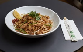 Classic Pad Thai Chicken