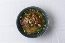 A17 Soupe de nouilles au canard laqué