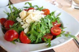 Salata rucola cherry