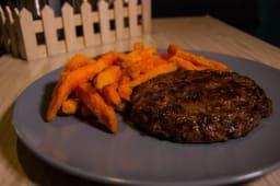 Black angus - mleveno juneće meso i prilog