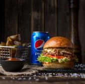 Бургер з томленою телятиною, картопля, соус BBQ, Pepsi