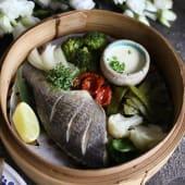 Дорадо на пару з овочами та соусом Бер блан (150/100/50г)