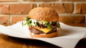 Бургер трюфельний з яловичиною 320 г