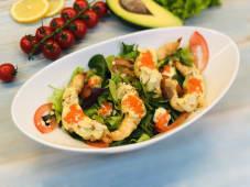 Салат з креветками і соусом васабі