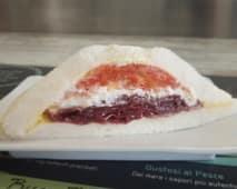 2. Bresaola igp, caprino e pomodoro fresco