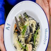 Чорні спагеті з морепродуктами (300г)
