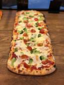 Combo - Pizza Creveti + 2 sosuri la alegere