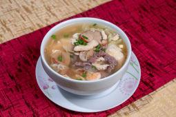 Sopa Wantán Especial (Personal)