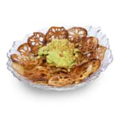 Guacamole japonés con chips crujientes de flor de loto