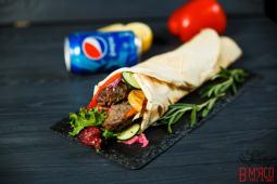 Kebab з телятиною в лаваші