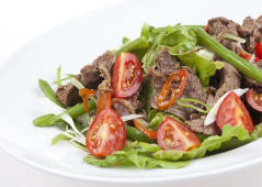 Salata Stroganoff