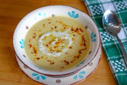 Supa crema de conopida cu usturoi