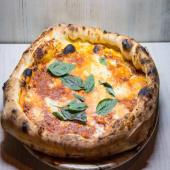 Pizza con  salsa bolognese