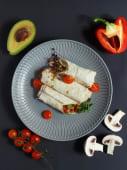 Рол з овочами і соусом гуакамоле (170г)