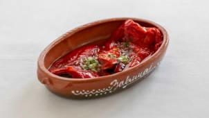 Pečena paprika salata
