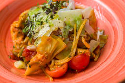 Spaghete cu anghinare si sos pomodoro