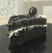 Oreo black velvet (porción)
