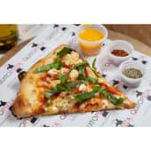 Pizza con pollo, pimientos morrones y albahaca (33 cm.)