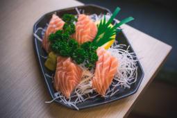 Sashimi di salmone (12 pezzi)