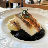 Bacalao Gratinado Con Salsa De Tinta Y Cogollo Asado