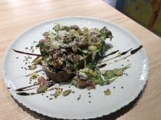 Tост з хамоном, сиром Дор - блю та в'яленими томатами 130