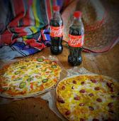 Pizza Family  + 2 Coca Cola