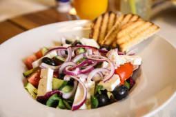 Salată fresh cu telemea