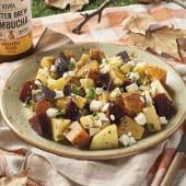 Ensalada de patata, boniato con queso de cabra y manzana