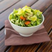 Miks zelenih salata sa rukolom i čeri paradajzom