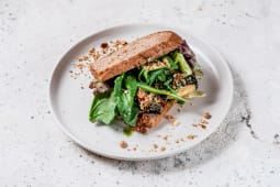 Сендвіч з тофу і авокадо (200г)