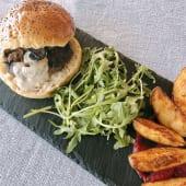 Hambúrguer Artesanal de Vaca em (pão) caco de cebola