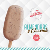 Paleta de almendras y chocolate light