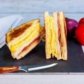 Sándwich Bacon, Queso Y Tortilla