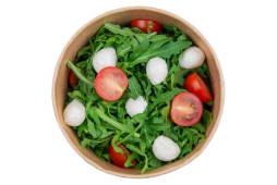 Рукола з моцарелою, томатами черрі та соусом песто (125г)
