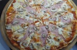 პიცა ლორით და სოკოთი