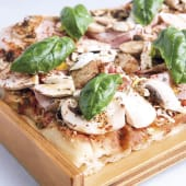 Pizza jamón, champiñones y mascarpone grande  (picante)