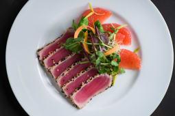 Салат з тунця татакі з філе грейпфрута (185г)