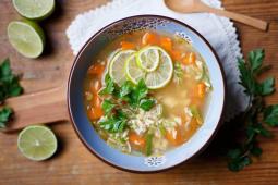 Supa din piept de pui cu legume