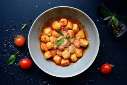 Gnocchi sauce with Basilico
