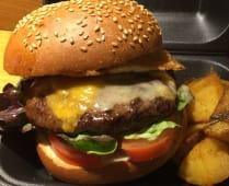 Beef Teriyaki Burger con Patataschips