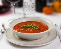 Pappa al pomodoro (pane, pomodoro, basilico)
