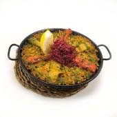 Paella vegetal con arroz integral y heura