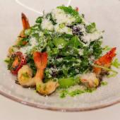 Салат з креветками і пармезаном (220г)