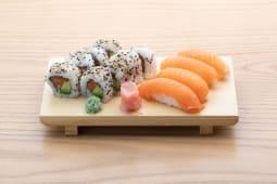 Sushi salmón (12 uds.)