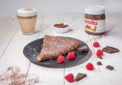 Crêpe ou Gaufre Nutella ou Tarte + Boisson Chaude ou Boisson Fraîche