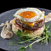 Антибургер з яйцем та пюре із цвітної капусти (340г)
