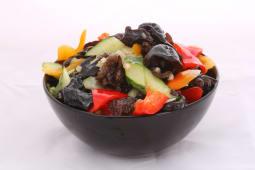 Salată cu urechi de lemn