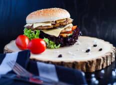 Burger cu cotlet dublu